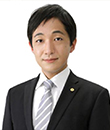 横田 眞治 氏